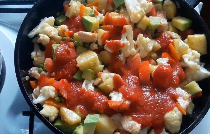 10-dobavlyaem-pomidory-tomatnyj-sous