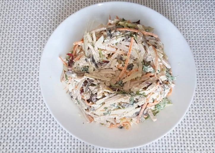 formiruem-salat-v-vide-gnezda